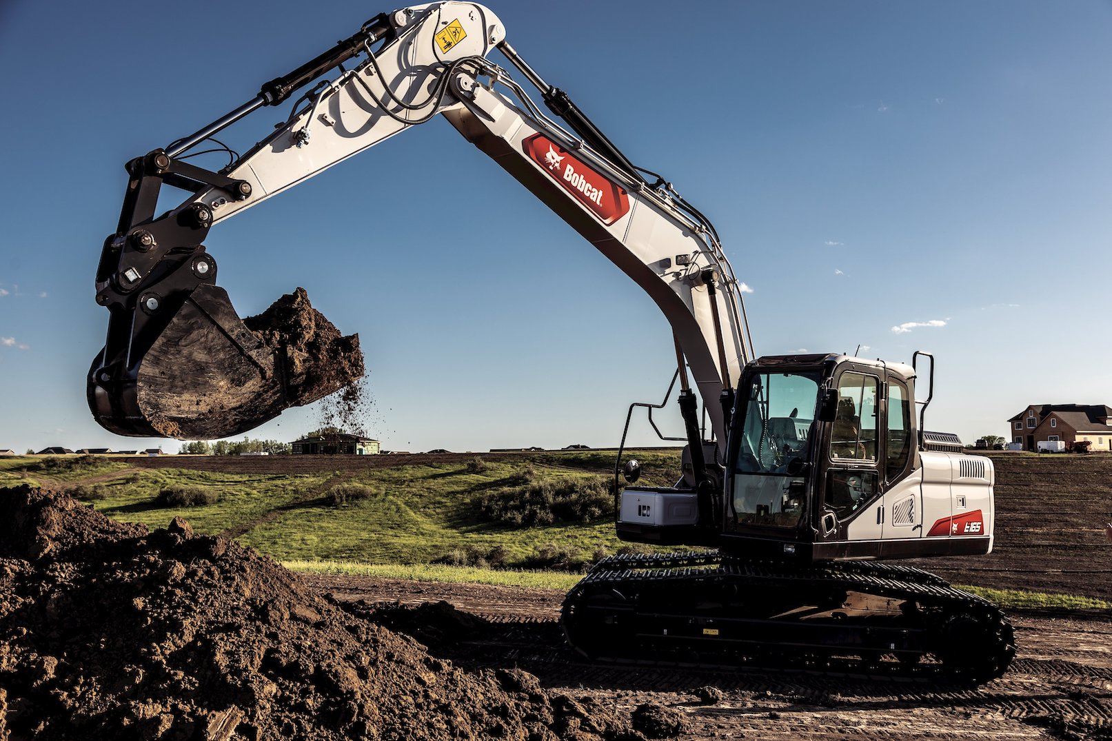 Bobcat E165 excavator digging